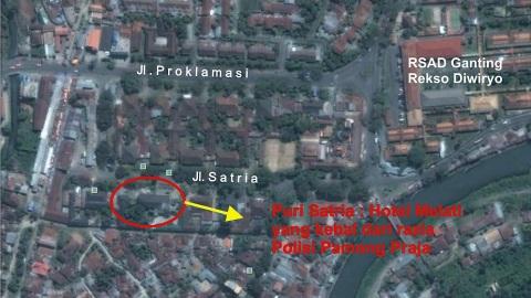 """Puri Satria yang dimiliki oleh Korem 032 Wirabraja, beralamat di Jl Satria. Hotel kelas melati ini sebenarnya digunakan untuk mess anggota ABRI yang bertugas di Sumbar, namun disulap menjadi hotel mesum yang dikelola seorang pengusaha asal Surian,   sebuah ironi di ranah ABS SBK. Koordinat Puri Satria : 0°57'7.56""""S 100°22'11.28""""E"""