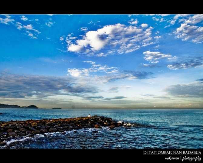 Di Tapi Ombak Nan Badabua (sunrise)